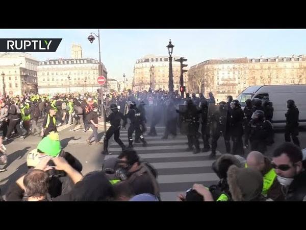 Акт XIV: французские «жёлтые жилеты» вышли на новую субботнюю акцию протеста