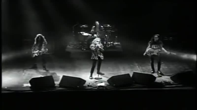 Alice In Chains - Man in the Box (Live in The Moore Theatre, Seattle. December 12, 1990) HD