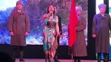 Гульсум Бикбулатова поет на фестиваль-марафоне Зилаирского района.