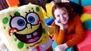 Kindervideo auf Deutsch - SpongeBob spielt mit Würfeln - Spielzeuge für Kinder