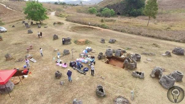 В Лаосе нашли еще больше таинственных кувшинов мертвых Долина кувшинов в Лаосе не так уж известна среди туристов юго-восточной Азии, хотя место довольно примечательное. Археологи до сих пор не