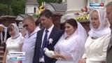 В Симферопольском соборе Александра Невского провели массовое венчание
