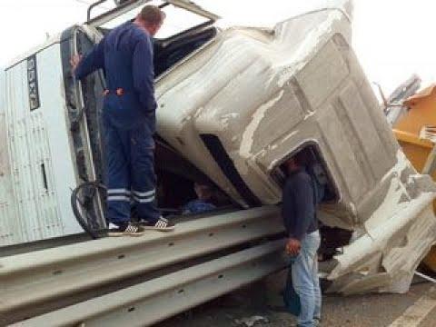 Вести-Калуга. Грузовик с щебнем перевернулся в Малоярославецком районе - Россия Сегодня