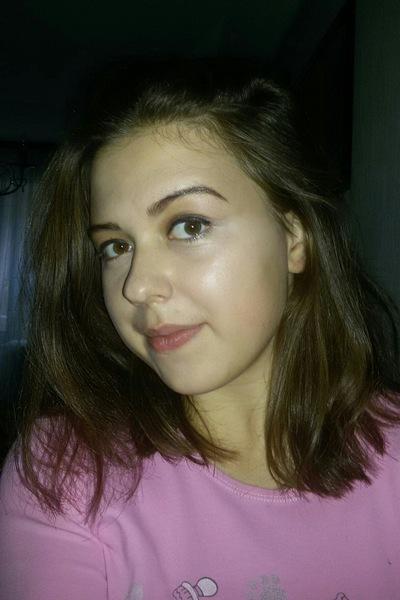 Анна Роганова