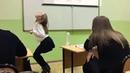 Школьница орет как динозавр