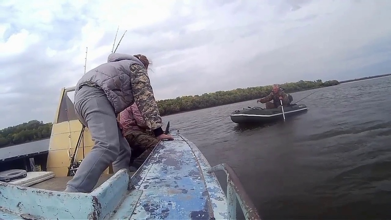 Что они там увидели? Это надо видеть! Октябрь 2018 Рыбалка на Волге Промысловый Астраханская Область