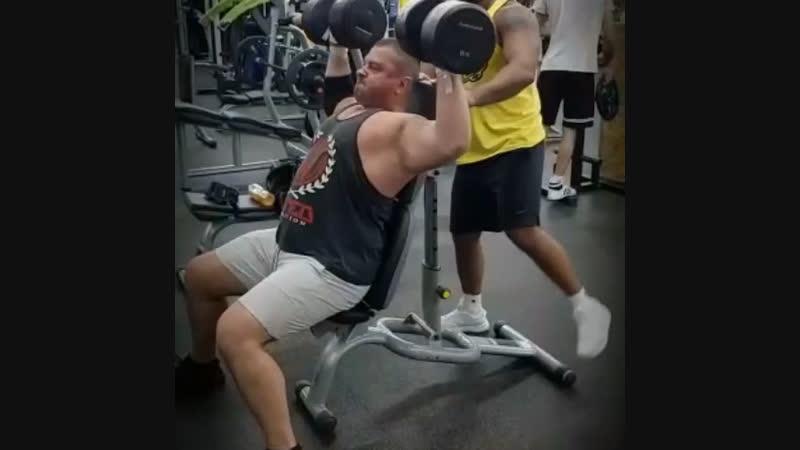 Лёгкая тренировка на плечики