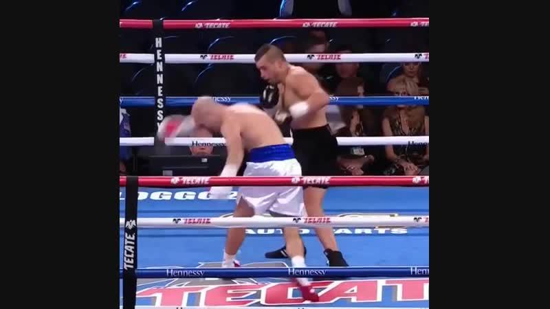 Красочные нокауты боксеров Goldenboy promotions