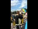 Северодонецк.22 июля,2014.Немногочисленная толпа людей встречает освободителей