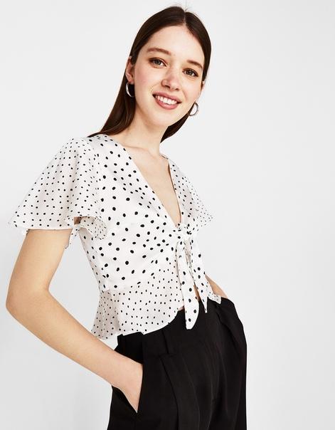 Блуза с рисунком в горошек