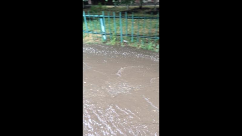 Тротуары в Саратове после дождя 😳