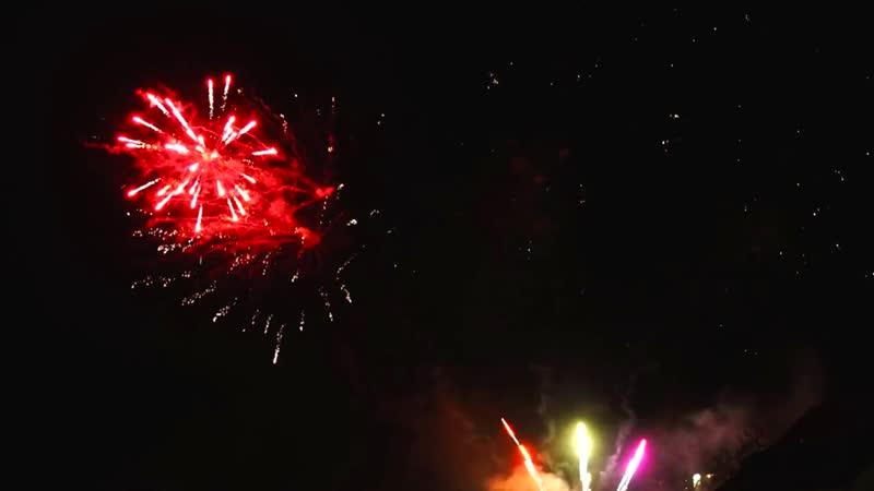 С Новым годом - поздравление - Славич Мороз ( www.slavici.com )
