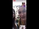 Белла с поклонницей в Париже, Франция (18.09.19)