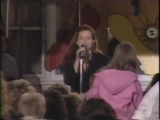 Belinda Carlisle - I Get Weak Performance Club MTV 1988