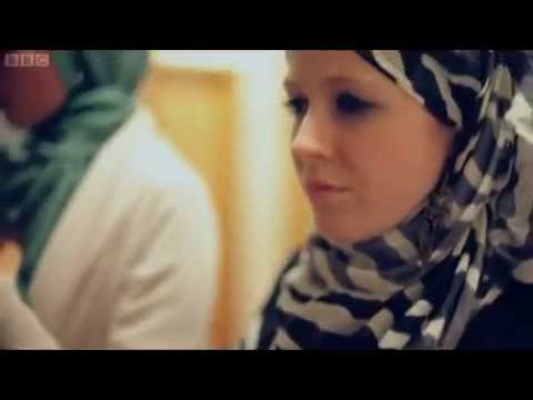 British girl CLAIRE EVANS converted to Islam last July 2012 : BBC Make Me A Muslim 2013