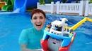 La più bella giornata in piscina per Maria e la sua amica Barbie! - Video divertenti per bambini