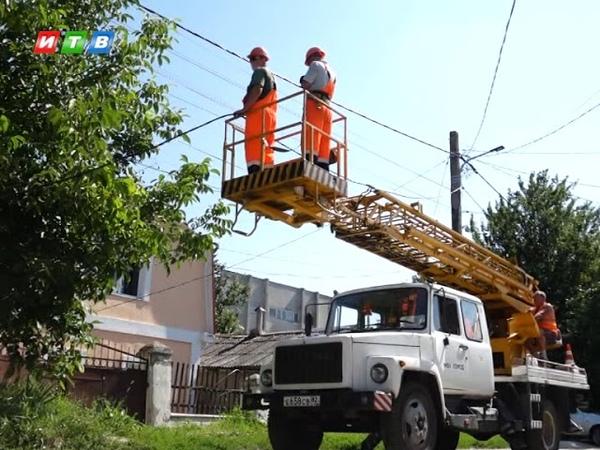 В Симферополе восстанавливают систему уличного освещения
