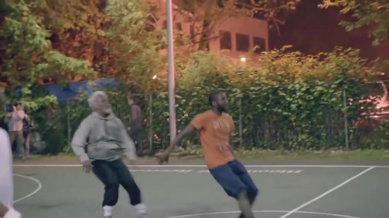 Звезды NBA переодетые в стариков против баскетболистов