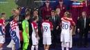 Путин жмет руку Домагой Вида и вручает медаль