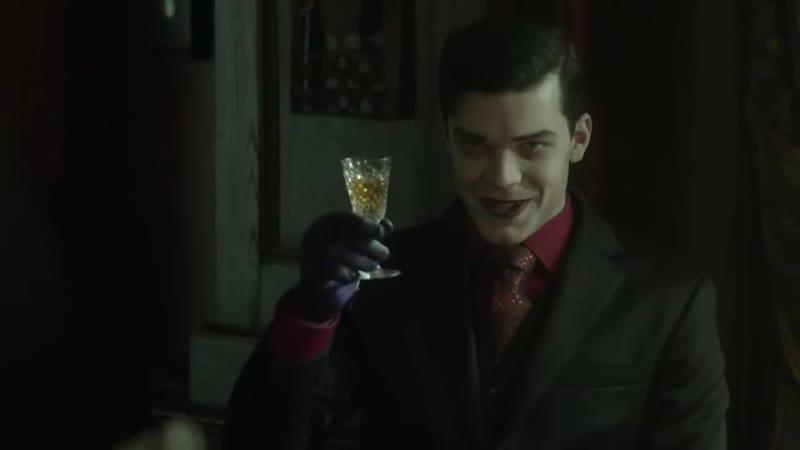 "Gotham Season 5 Jeremiah ""Chemical Green Band"""