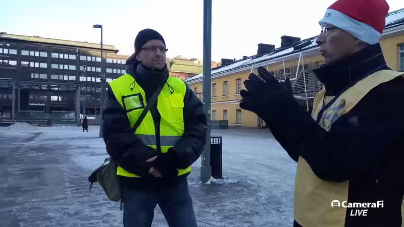 Keltaliivit kokoontuvat Kampissa, Helsinki 2019/01/12 kello 02 PM (14)