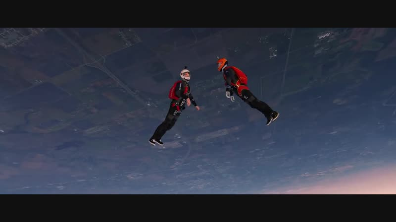 SUNSET FREE FALL Skydiving with a RED