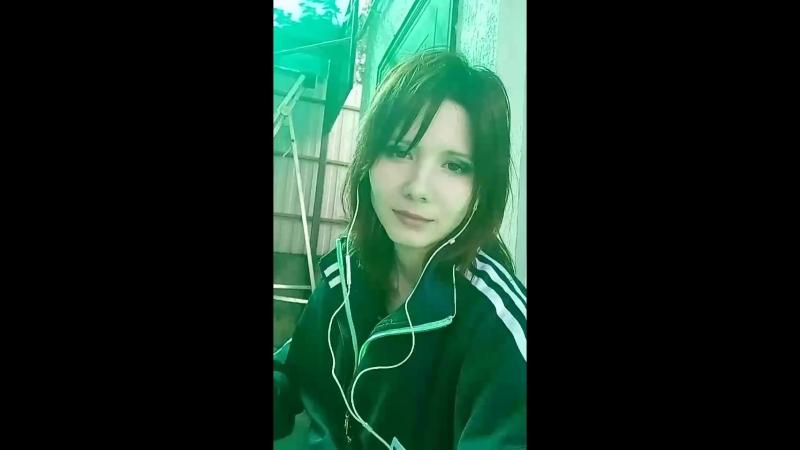 Молодая девушка Вика бухает, затем показывает себя на камеру в ВК_1 26.09.2018