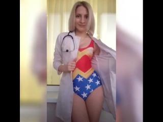 Студентка-медик из Витебска разделась в...пациентов (720p).mp4