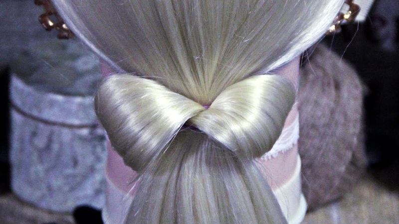 Hair bow | Hairstyles by REM | Copyright ©