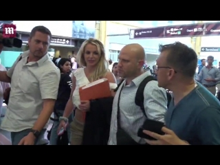 Britney arriving at the Virginia's Airport