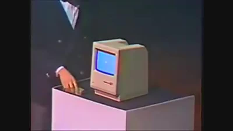 В 1984 молодой Стив Джобс представлял Macintosh а наши родители в СССР представляли кто будет после похорон Андропова