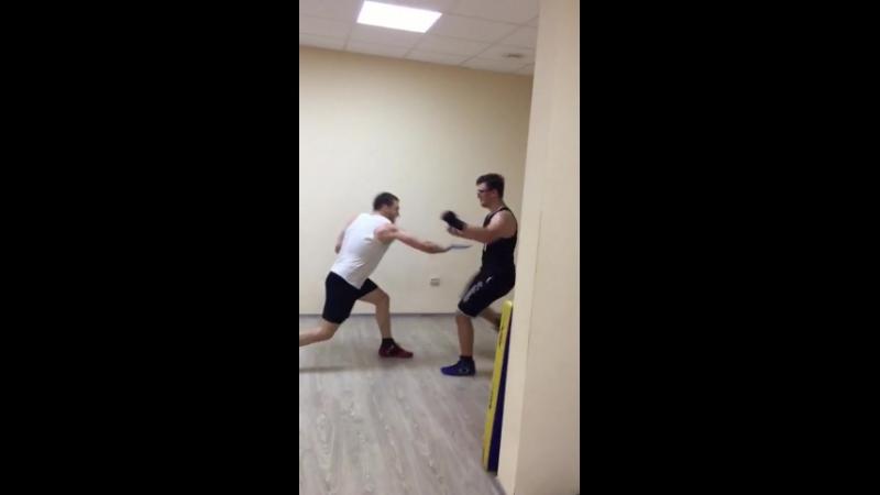 Ножевой бой, бокс