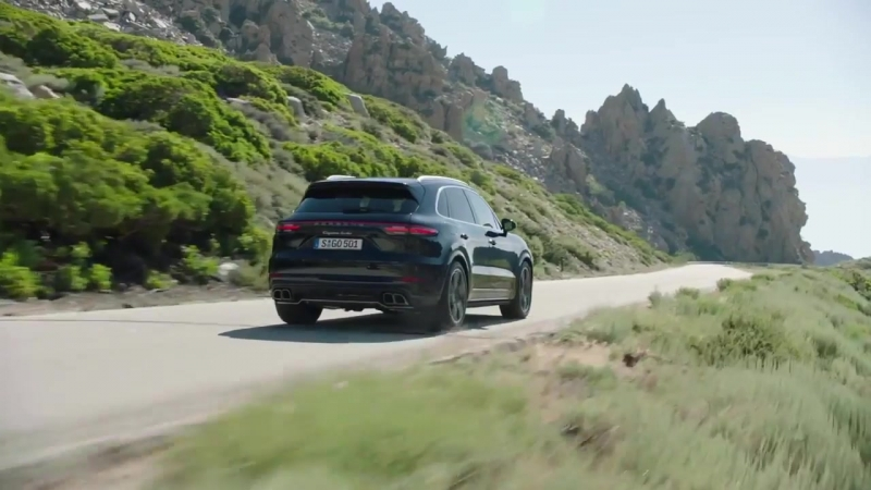 Porsche Cayenne Turbo Test Driving Off-Road
