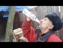 Дед показывает как нужно пить водку