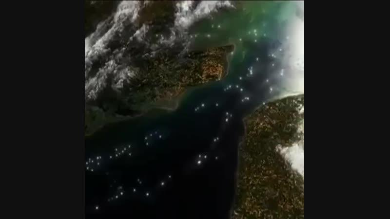 فیلمی جالب از تردد کشتی ها از کانال مانش در طول ۲۴ ساعت از نمای ( 612 X 612 ).mp4