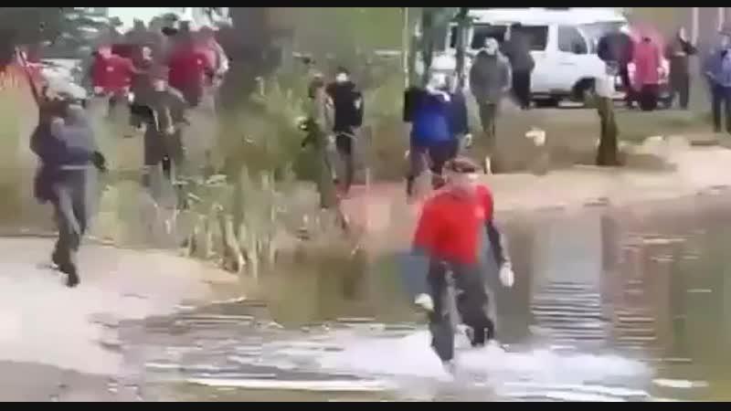 крабовый берет преодаление водных препятствий