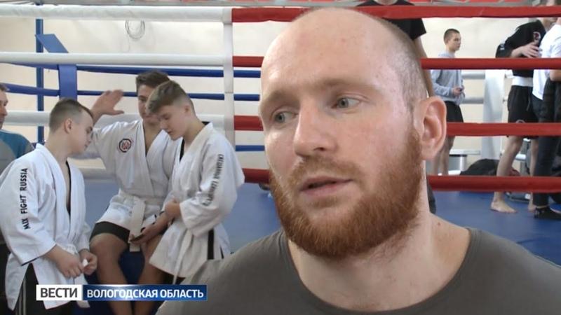 Полуфинальные поединки MMA «Путь Воина» проходят в Череповце