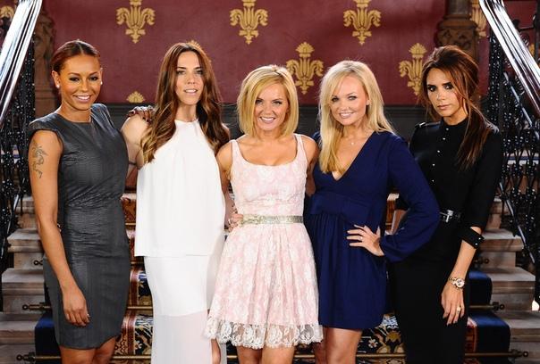 СМИ: Spice Girls воссоединяются и едут в тур Поклонники Spice Girls ликуют: распавшаяся много лет назад группа воссоединяется и едет в тур! Об этом сообщили британские СМИ, которым стало