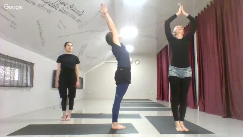Сильные ноги, упражнения Хатха Йоги. Утренний Йога комплекс для начинающих