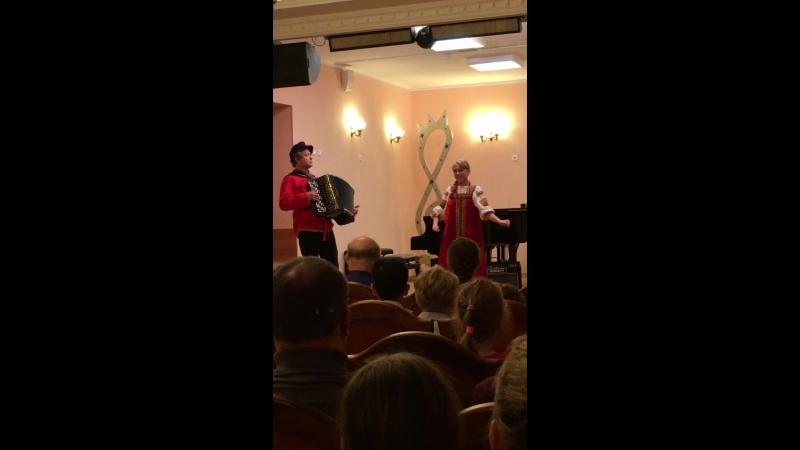 Акимкина Ульяна (нар.пение), 5 кл., преподаватель Луганская Э.А., концертмейстер Гейзлер Е.В.