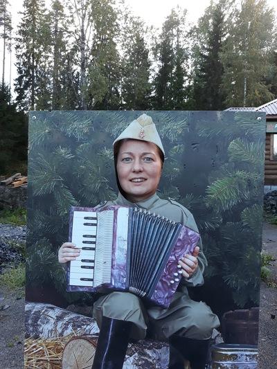 Оля Смирнова
