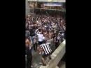Nasceu uma lenda no Estádio Nilton Santos O homem da pipa imaginária