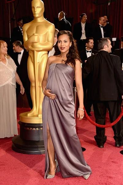 Не повод оставаться дома: беременные актрисы на Оскаре. Продолжение Пола ПаттонМногие беременные актрисы выбирали спокойную цветовую гамму, но только не актриса Пола Паттон. Звезда экрана,