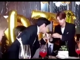 DOYOUNG JUST INHALED THE HELIUM OF THE ENTIRE BALLOON I-.mp4