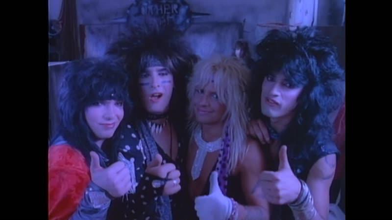 Mötley Crüe - Smokin In The Boys Room (1985)