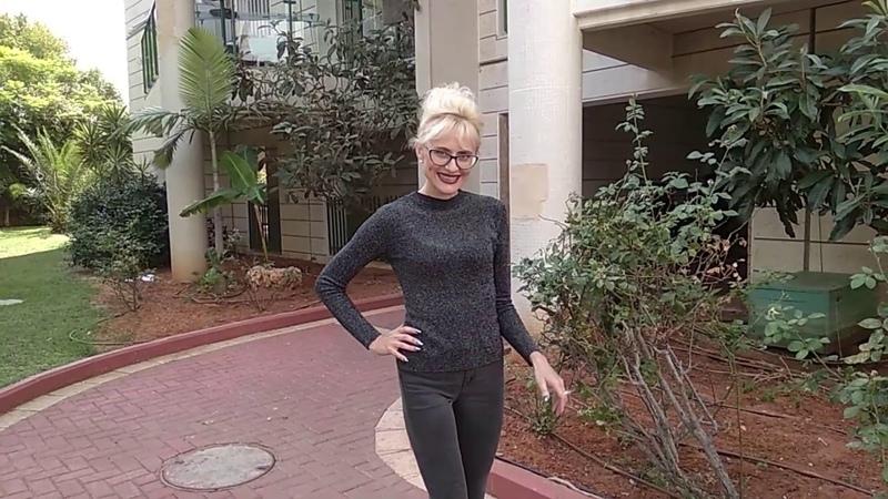 Мягенький свитерочек с блестящей ниточкой люрекса