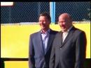 Министр обороны С.Б.Иванов и губернатор Нижегородской обл. В.П.Шанцев участвуют в городошном шоу. 2006 г. Стадион ручных игр. Ни