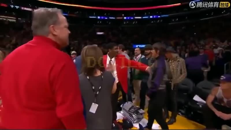 A Furious Anthony Kiedis is expelled from the Los Angeles Lakers Vs Houston Rockets October 2018