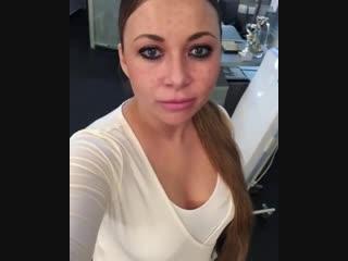 Экс-солистке группы Краски изуродовавал лицо ее косметолог