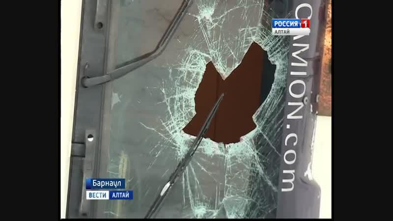 Водителю большегруза не помогли ни спасатели, ни полиция, ни дорожники